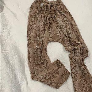 Acacia silk S snake pants never worn